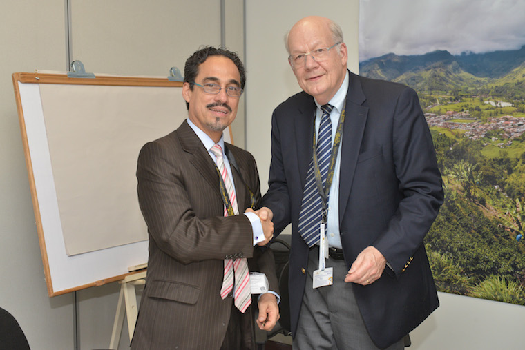Eduardo Moreno, Head of the Research and Capacity Building Section at U.N. Habitat, and Gregory Ingram, the President of the Lincoln Institu