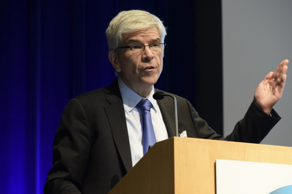 Paul Romer presents his work on urban expansion and economic development. (IIEP)