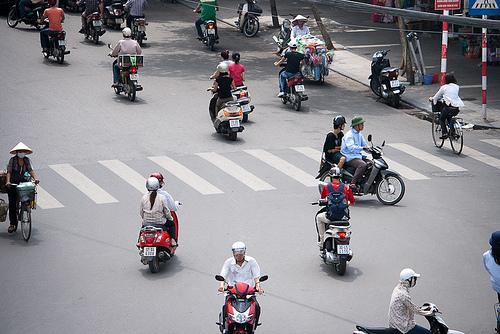 hanoi-motorcycle.jpg