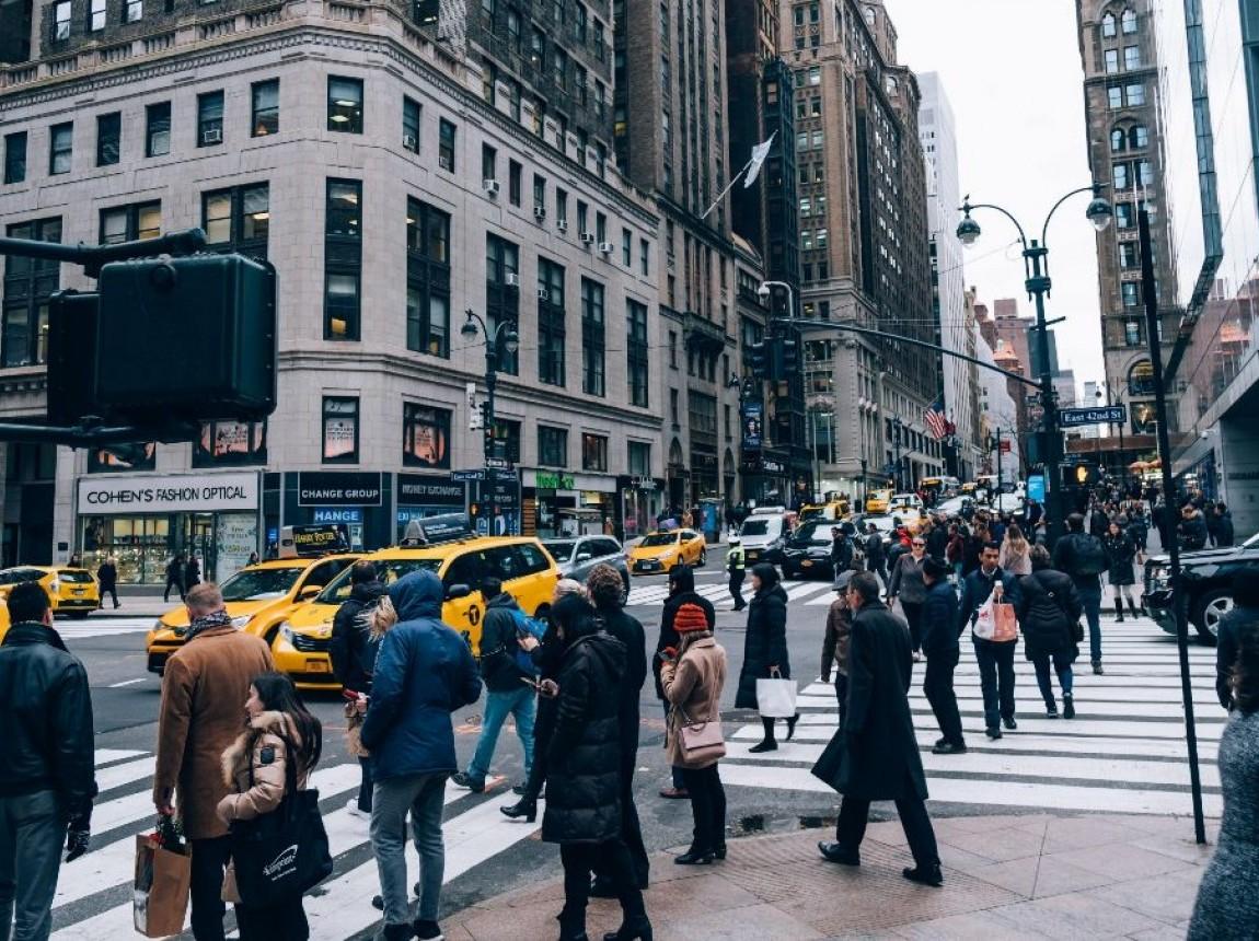 people_walking.jpeg