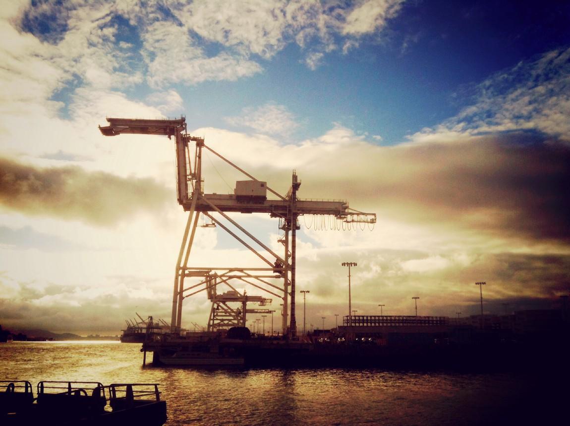 port_crane