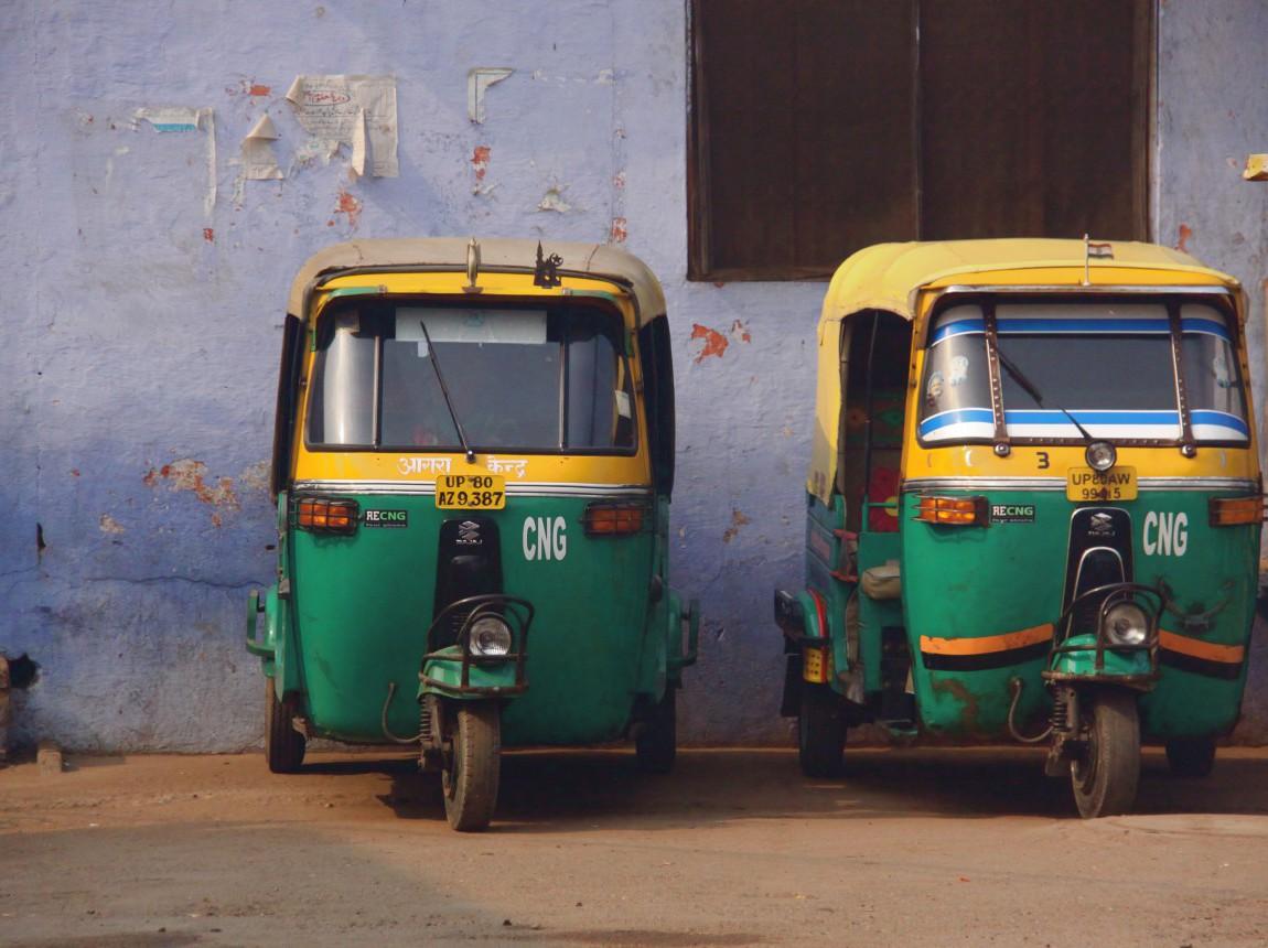rickshaws_agra.jpg