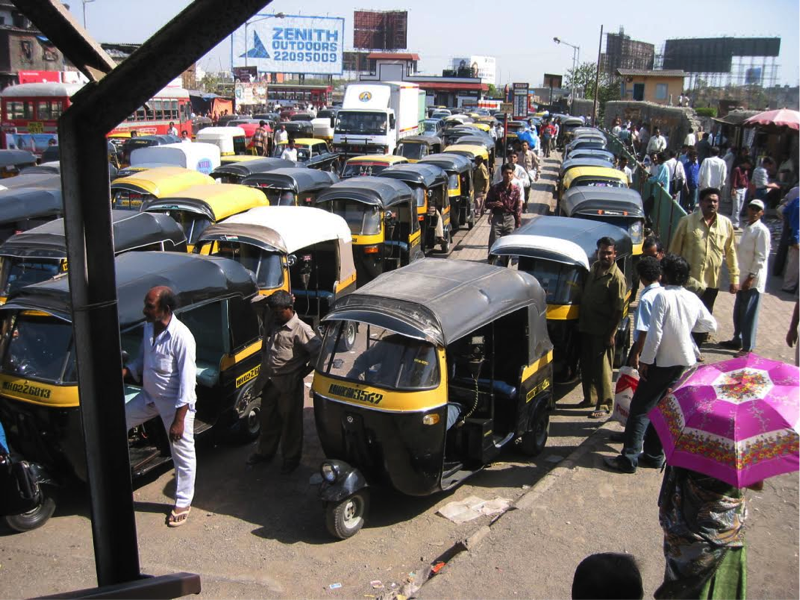Mumbai_Taxis_at_Subway.png